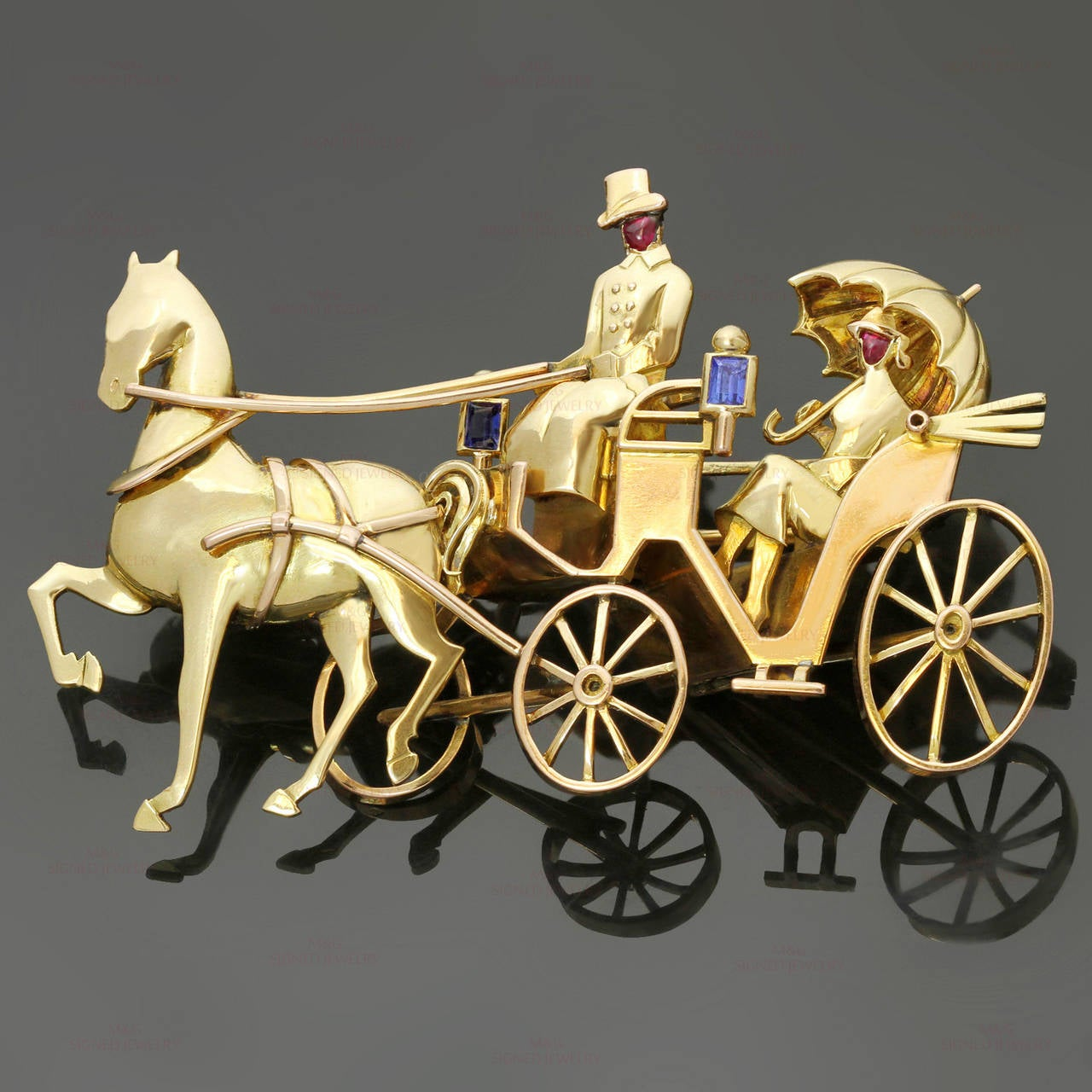 1940s Mauboussin Paris Sapphire Ruby Gold Horse Carriage Couple Brooch In Good Condition For Sale In New York, NY