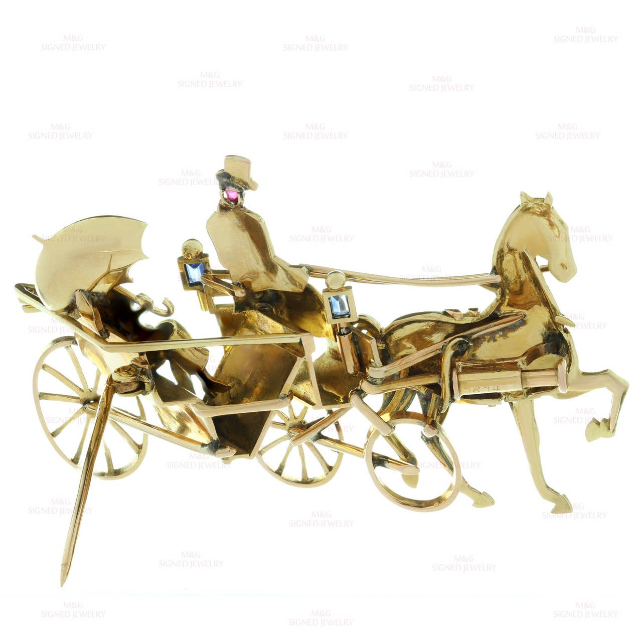 1940s Mauboussin Paris Sapphire Ruby Gold Horse Carriage Couple Brooch For Sale 3