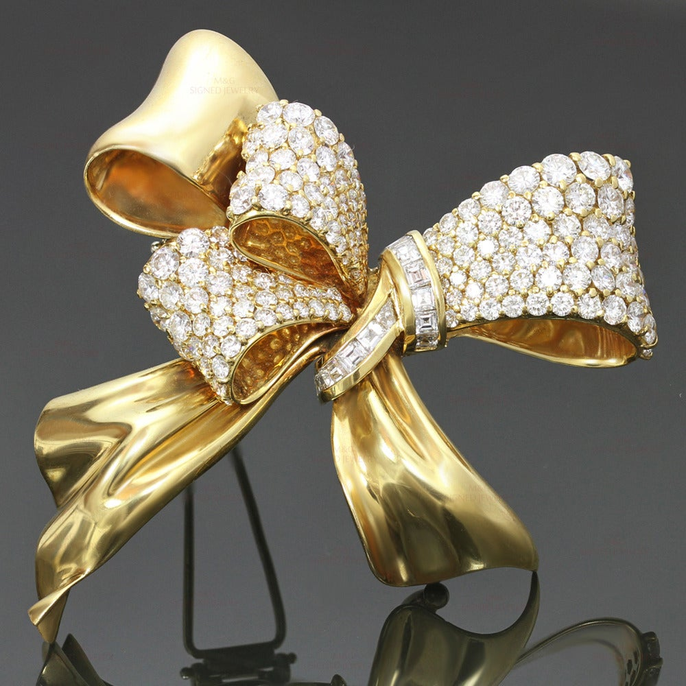 Chaumet Diamond Yellow Gold Bow Brooch Pin 2