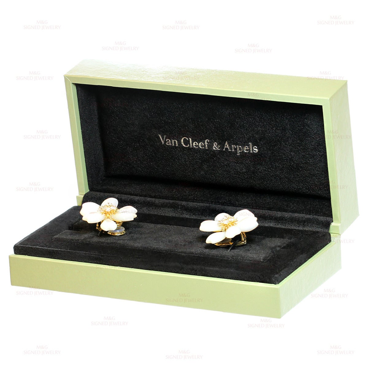 Van Cleef & Arpels Rose De Noel Diamond Mother-of-Pearl Flower Clip-on Earrings 3