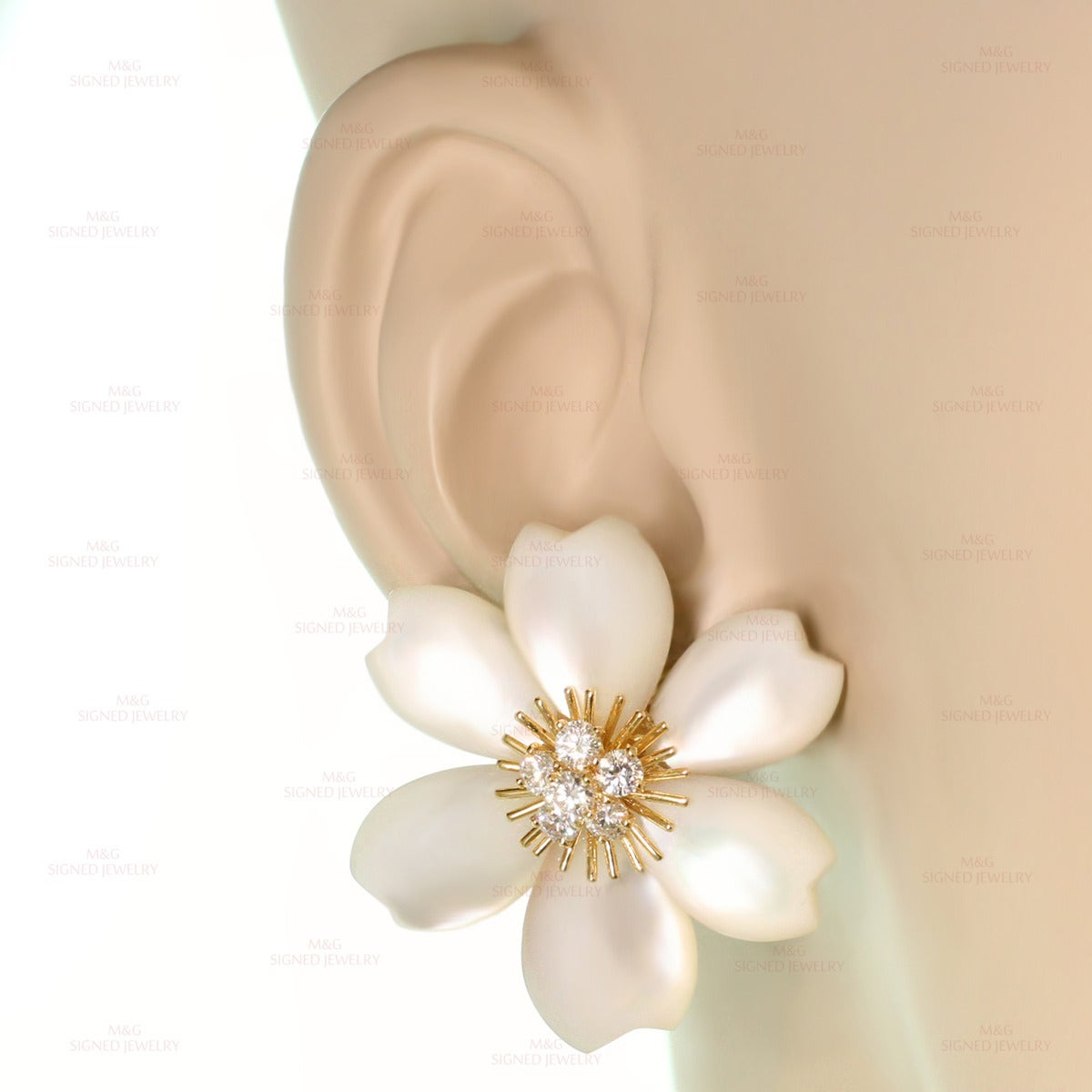 Van Cleef & Arpels Rose De Noel Diamond Mother-of-Pearl Flower Clip-on Earrings 4
