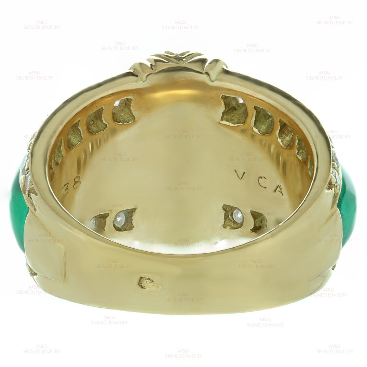Van Cleef & Arpels Green Chrysoprase Diamond Yellow Gold Ring In Excellent Condition For Sale In New York, NY