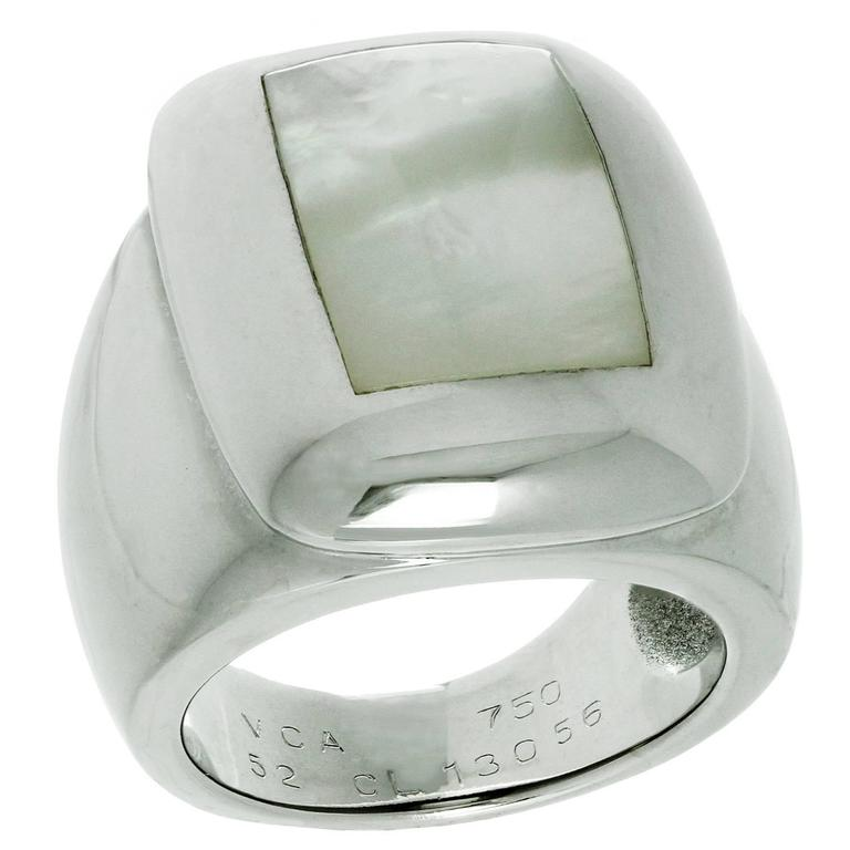 Van Cleef & Arpels Babylon Mother-of-Pearl Gold Ring