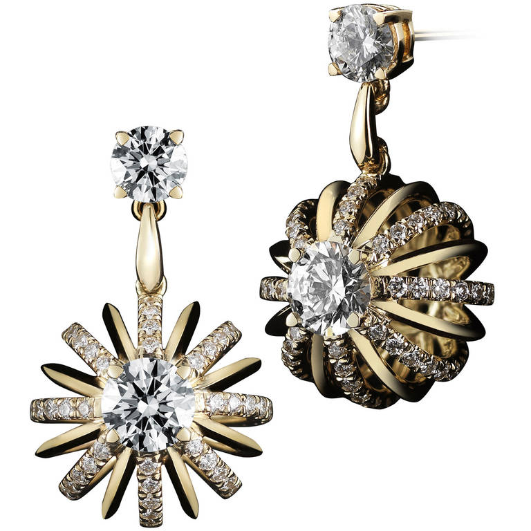 18 Karat Gold Dangle Diamond Snowflake Earrings For
