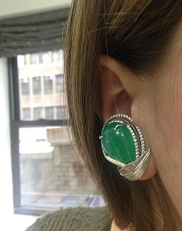 Women's Alexandra Mor Emerald Diamond Flower Earrings For Sale