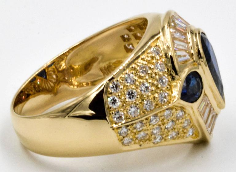 Pear Shaped Blue Sapphire and Diamond 18 Karat Yellow Gold Ring For Sale at 1