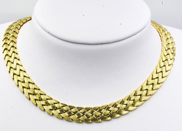 Bold Yellow Gold Zig-Zag Pattern Necklace 2