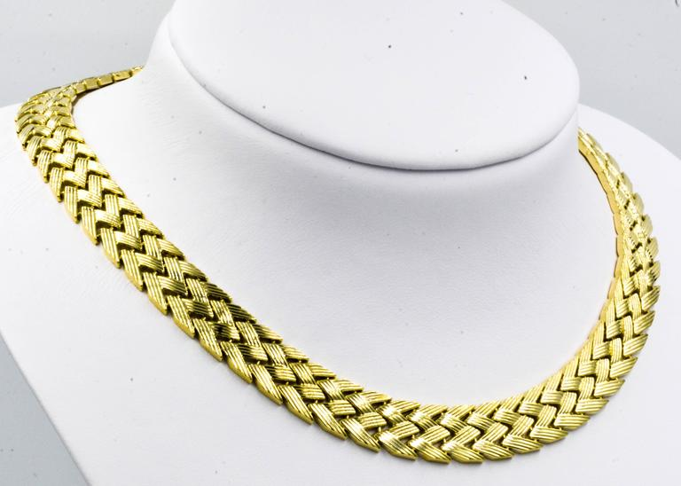 Bold Yellow Gold Zig-Zag Pattern Necklace 5