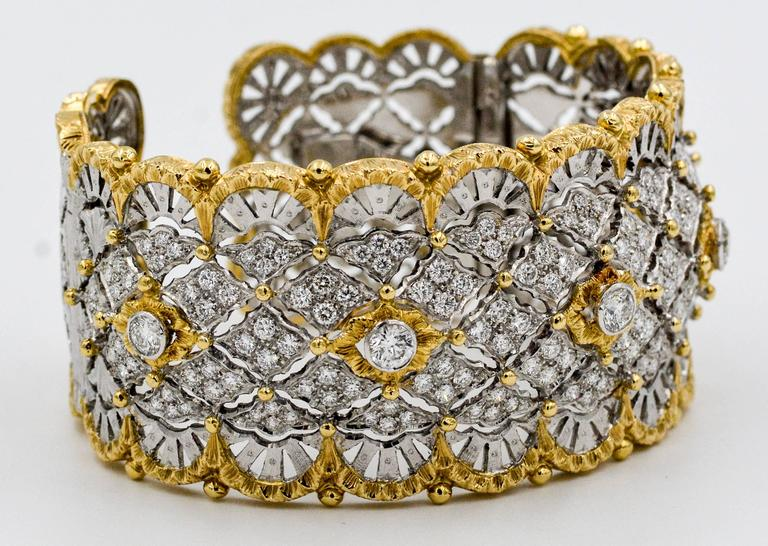 6.15 Carats Diamonds Yellow Gold Wide Hinged Cuff Bangle Bracelet  5