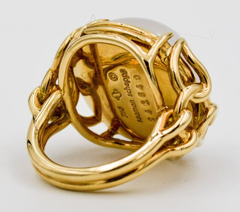 Seaman Schepps Quartz Cabochon 18 Karat Yellow Gold Ring In As new Condition For Sale In Dallas, TX