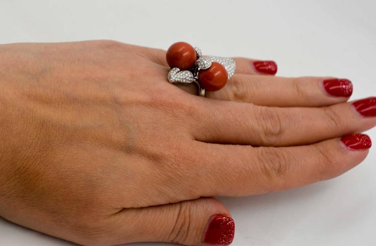 DeSimone Torro Del Coral Diamond White Gold Ring   For Sale 1