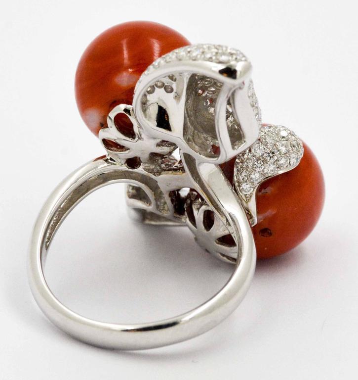 Modern DeSimone Torro Del Coral Diamond White Gold Ring   For Sale