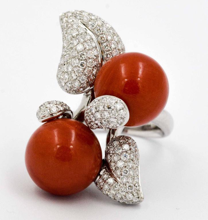 Bead DeSimone Torro Del Coral Diamond White Gold Ring   For Sale