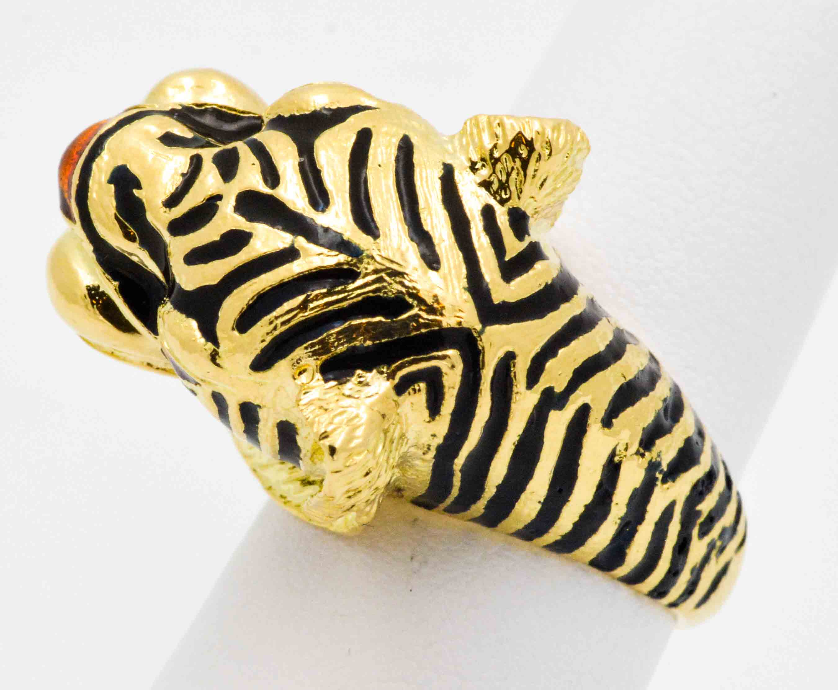 3f7f02b80 18 Karat Yellow Gold and Enamel Tiger Head Ring at 1stdibs