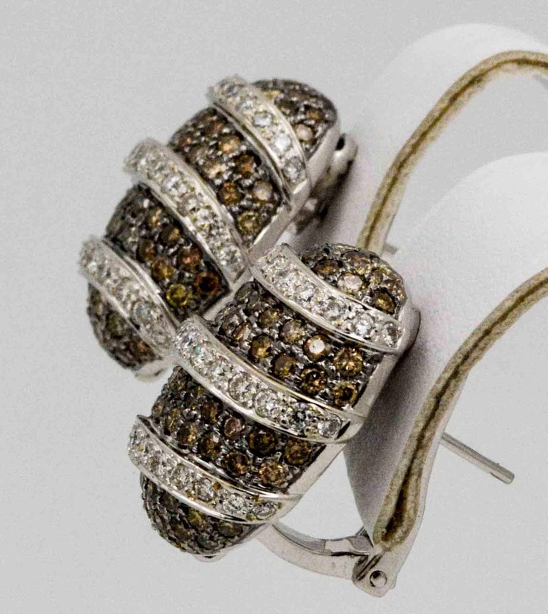 3.00 Carat Brown Diamonds 1.40 Carat White Diamonds Earrings In Excellent Condition For Sale In Dallas, TX