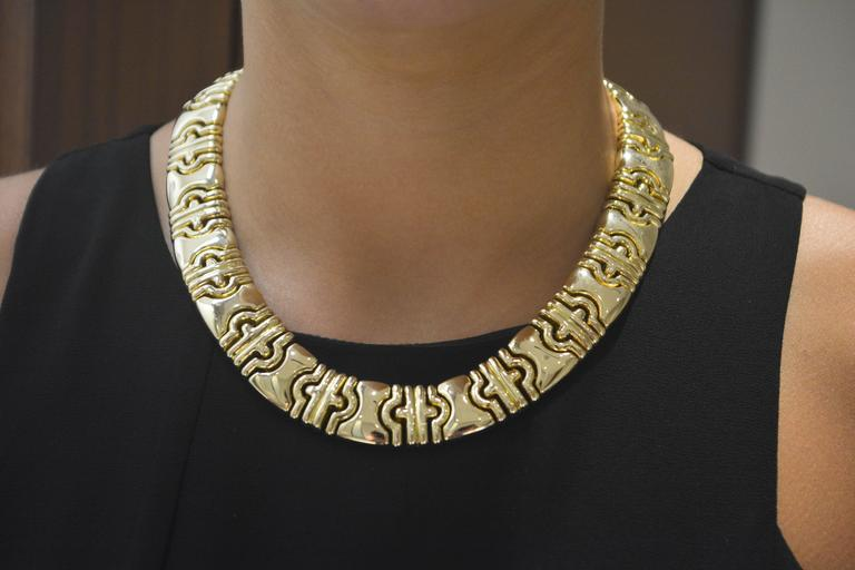 Gold Flat Byzantine Necklace In Excellent Condition For Sale In Dallas, TX