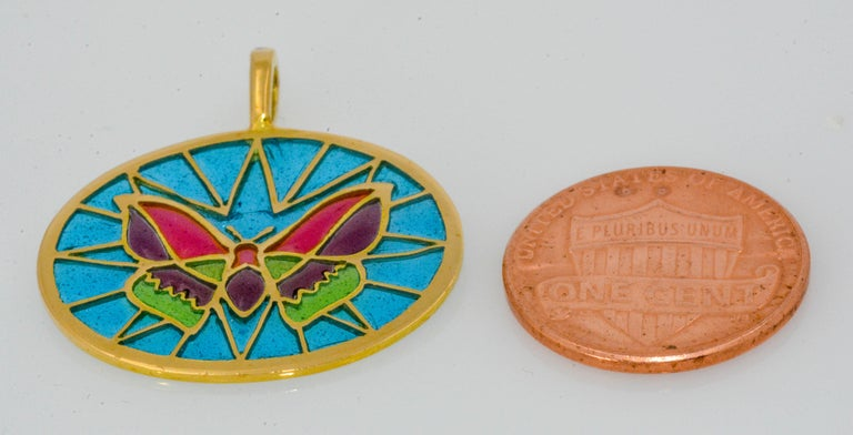 Plique a Jour Glass Enameled Butterfly 18 Karat Yellow Gold Pendant In New Condition For Sale In Dallas, TX