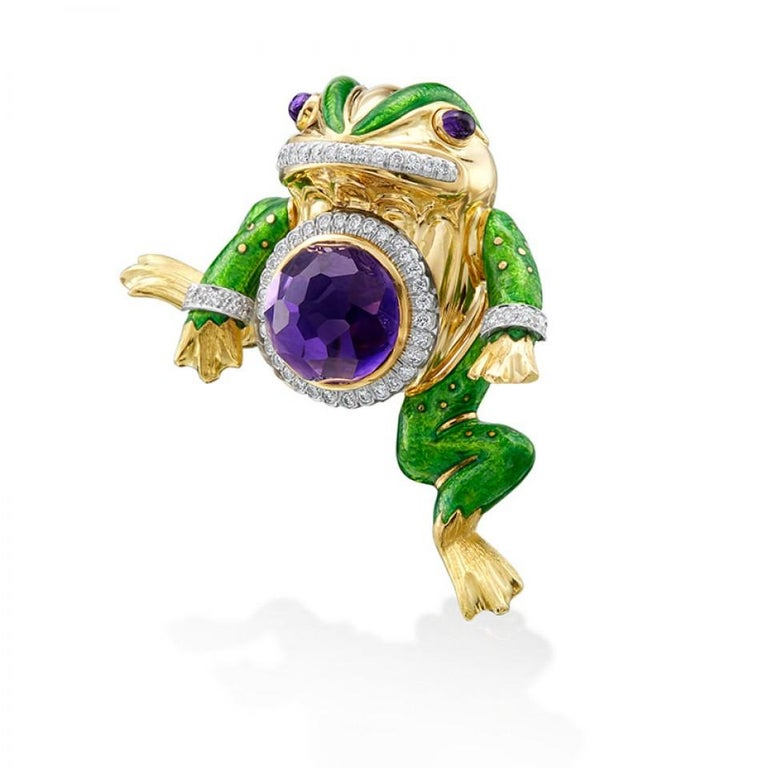 Exclusively from our Estate collection, comes an exciting and playful frog pin from David Webb. David Webb is the quintessential American jeweler of exceedingly modern jewelry. Driven by art, design and bold pieces this pin embodies David Webb's