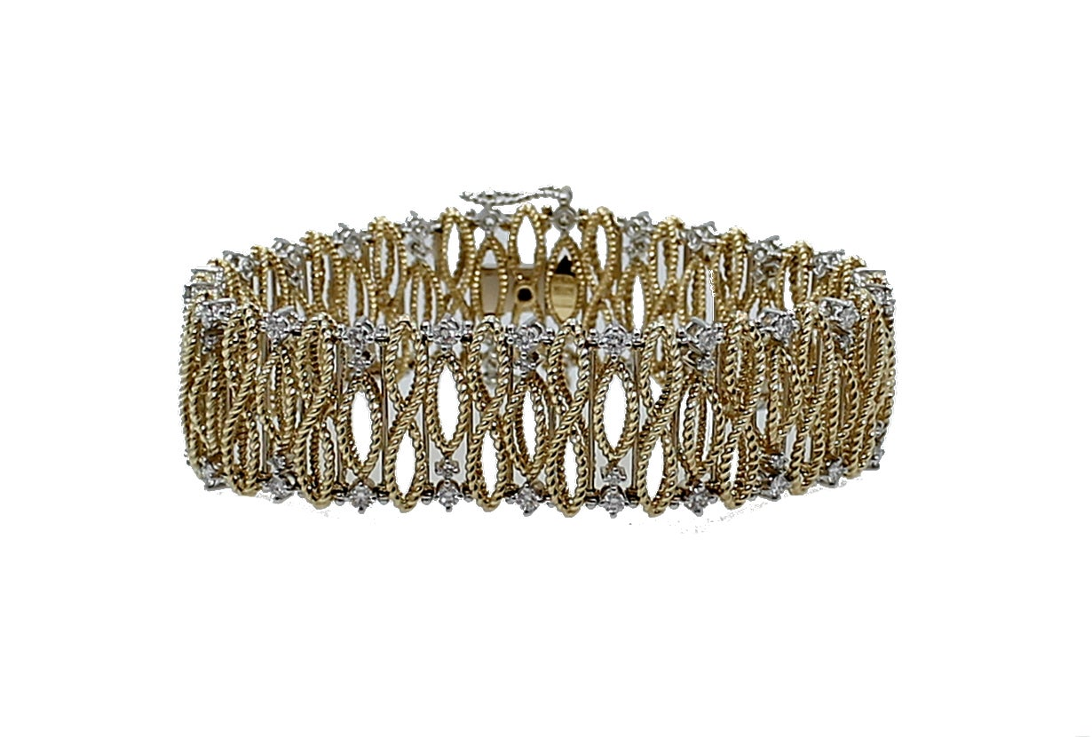 Roberto Coin Diamond Gold Barocco Bracelet In As new Condition For Sale In Naples, FL