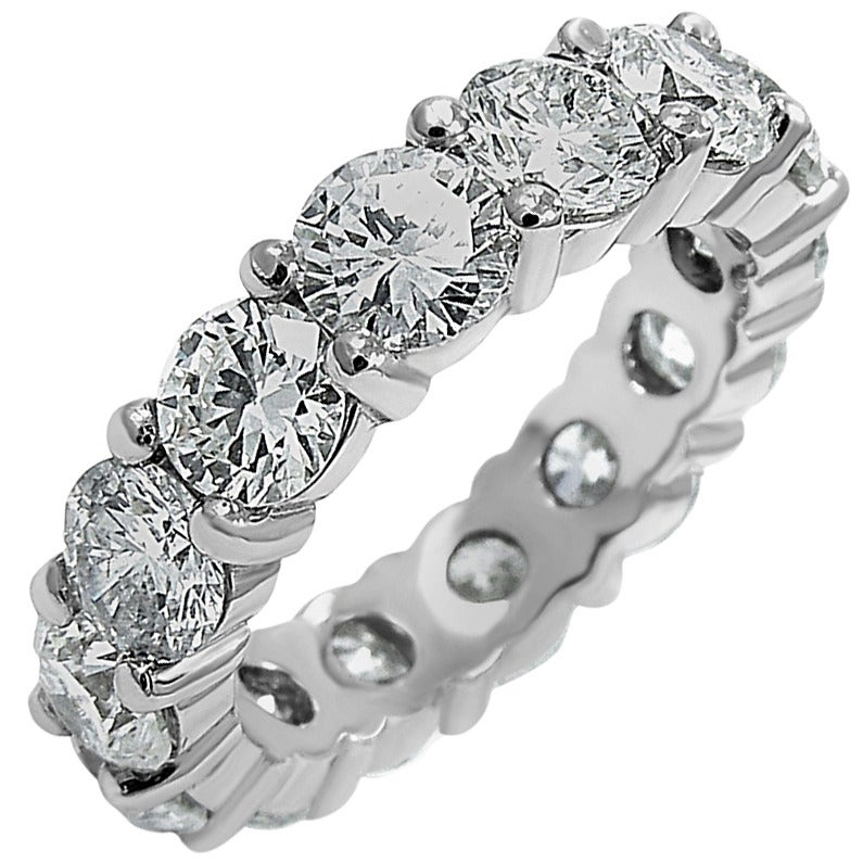 Round Brilliant Cut Diamond Platinum Eternity Band 1