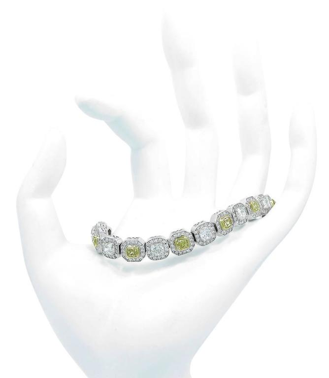 Modern Diamond and Fancy Yellow Diamond Gold Tennis Bracelet For Sale