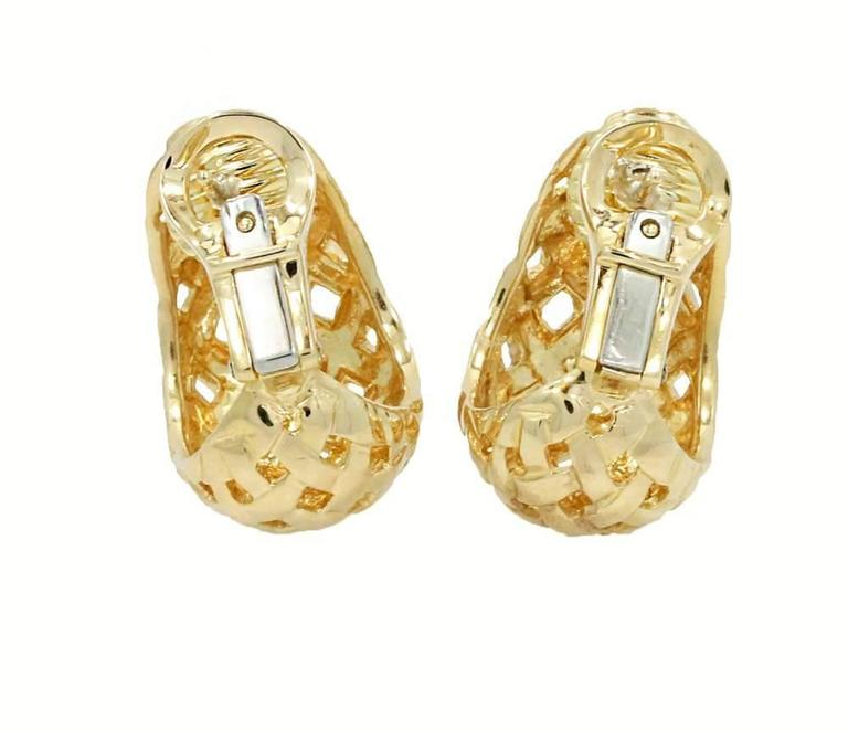18K Yellow Gold Woven Basket Tiffany & Co. Earrings with omega back closure. These earrings come with original Tiffany & Co box. Circa 1989