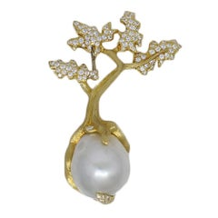 1.00 Carat Henry Dunay Yellow Gold Pearl and Diamond Pin