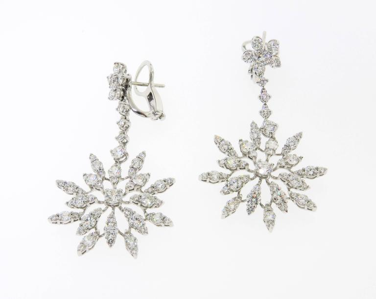 Artist Diamond Gold Starburst Drop Earrings For Sale