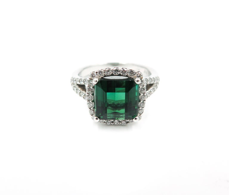 Modern Green Tourmaline Diamond White Gold Ring For Sale
