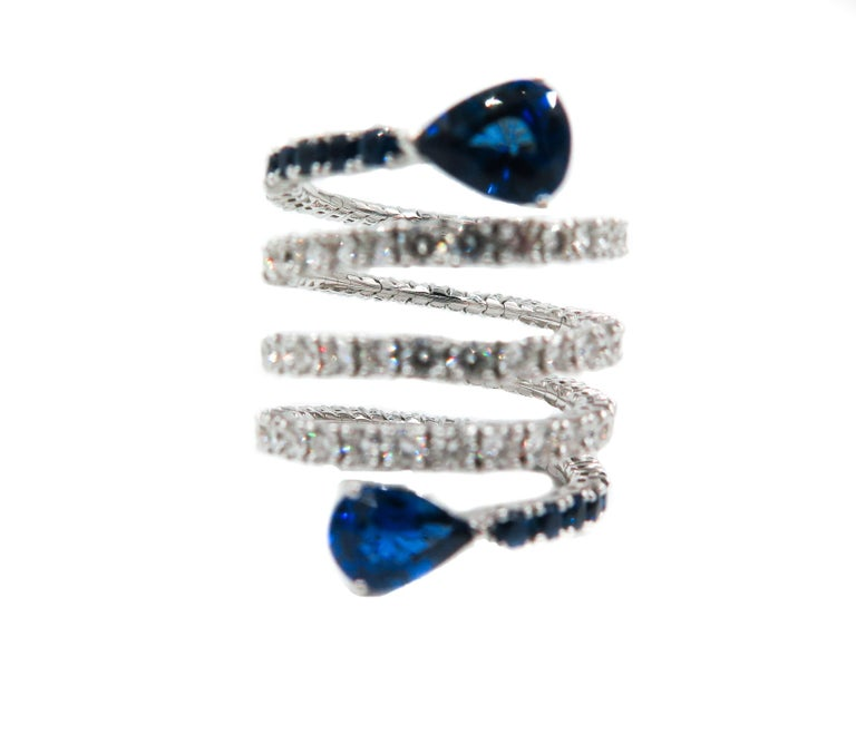 Sapphire and Diamond Spiral White Gold Ring In New Condition For Sale In Greenwich, CT