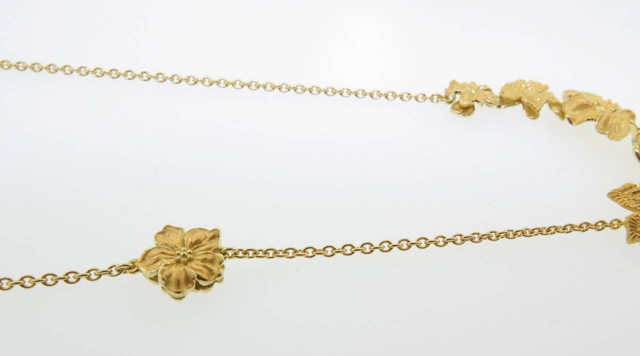 Emperatriz Diamond Gold Flower Motif Drop Necklace For Sale 1