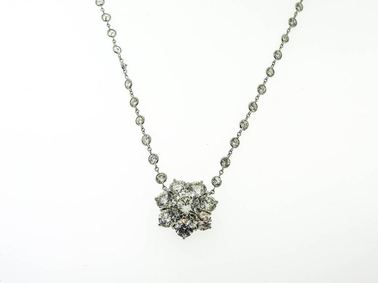 Platinum Flower Diamond Cluster Necklace In New Condition For Sale In Greenwich, CT