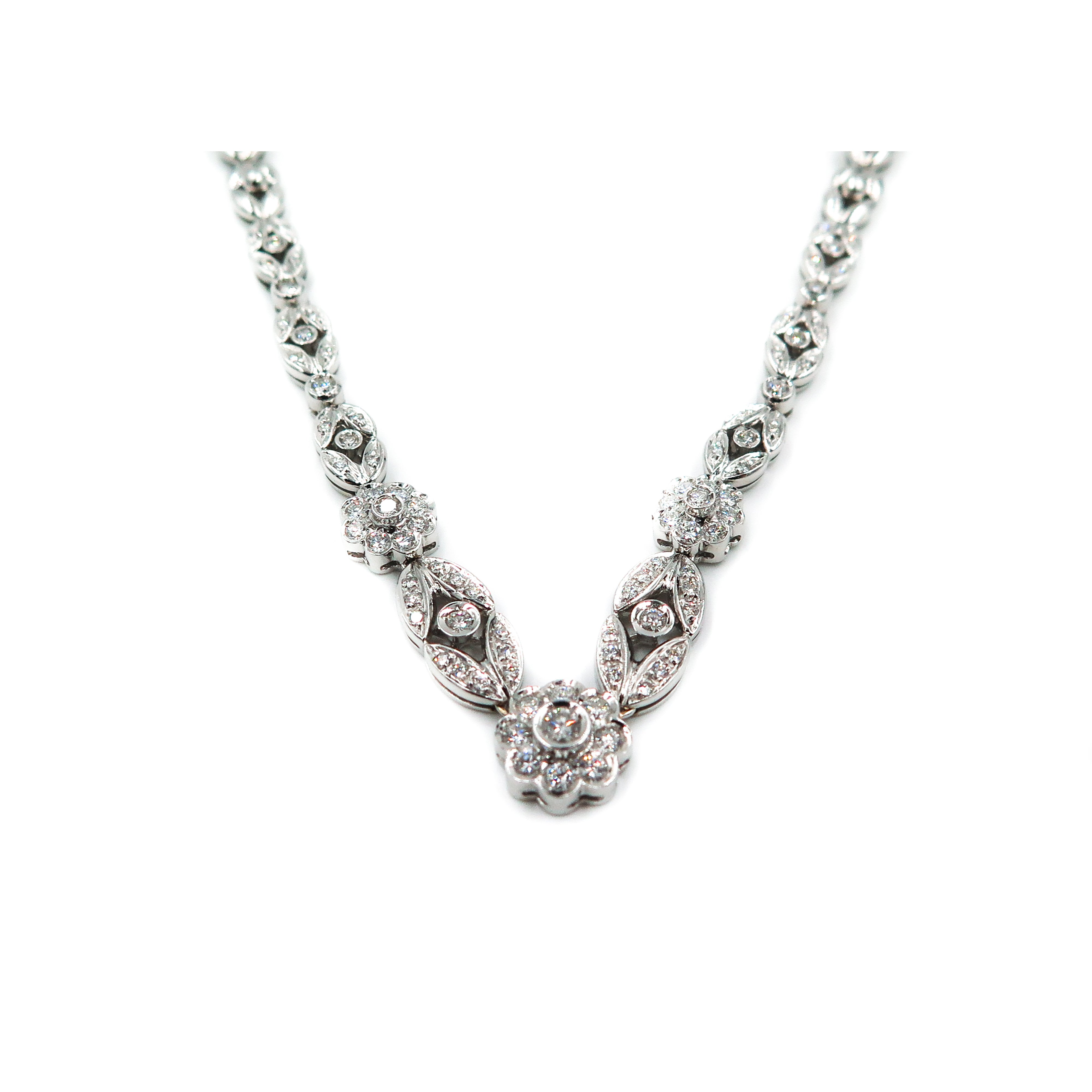 61c7d72abd270e White Gold Floral Diamond Necklace For Sale at 1stdibs