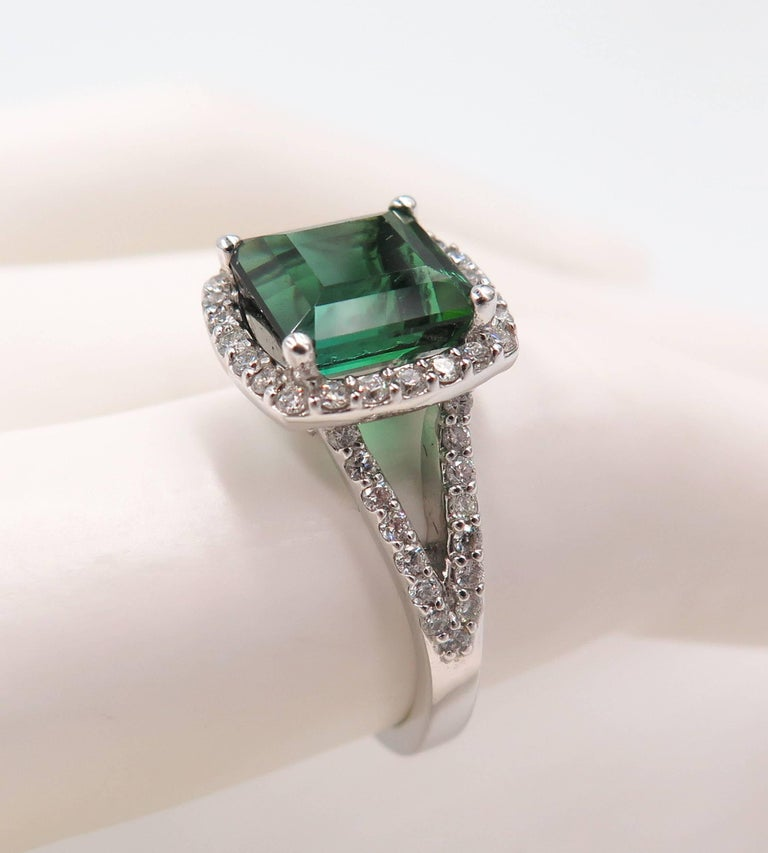 Green Tourmaline Diamond White Gold Ring For Sale 4