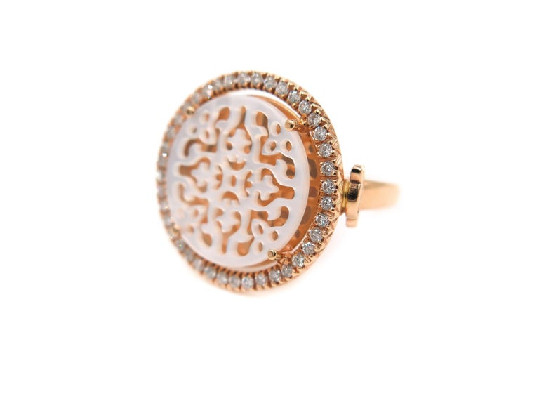 Rose Gold Openwork Mother-of-Pearl Diamond Ring In New Condition For Sale In Greenwich, CT