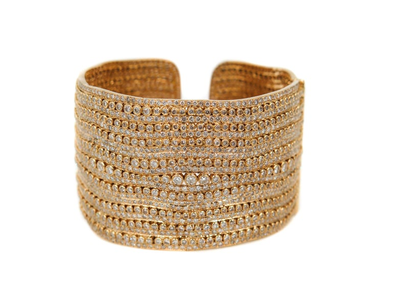 Diamond Yellow Gold Cuff Bracelet In New Condition For Sale In Greenwich, CT