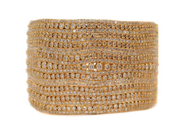 Round Cut Diamond Yellow Gold Cuff Bracelet For Sale