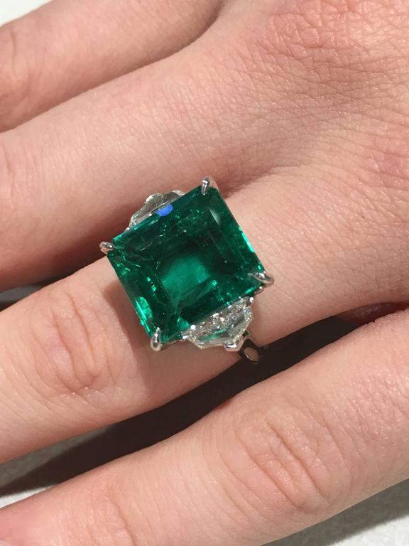 Emerald Cut GIA Certified Natural 11.60 Carat Colombian Emerald Platinum Ring For Sale