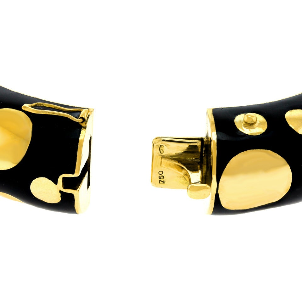 1960s Black Enamel Gold Polka Dot Bangle Bracelet For Sale 2