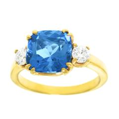 Spectacular Aqua and Diamond Gold Ring