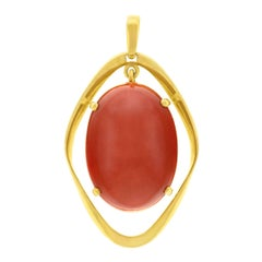 Modernist 1960s Coral Set Gold Pendant