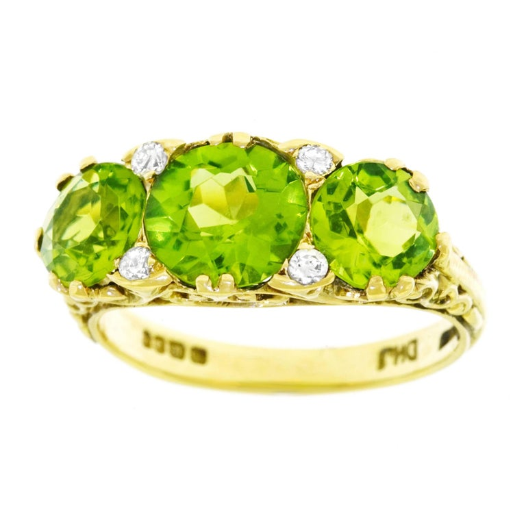 1970s London Peridot and Diamond Set Gold Ring