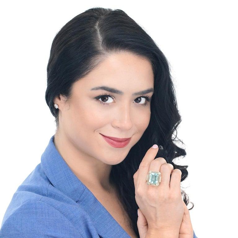 Art Deco 20.50 Carat Aquamarine Set Gold Ring For Sale 4