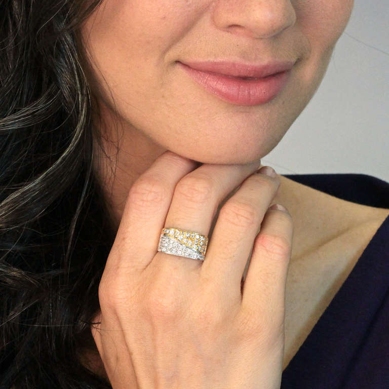 Fabulous 1970s Diamond Gold Ring In Excellent Condition For Sale In Litchfield, CT