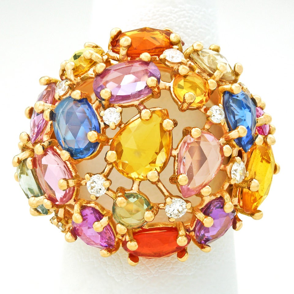 Colorful 12.0 Carat Total Weight Sapphire and Gold Ring 3