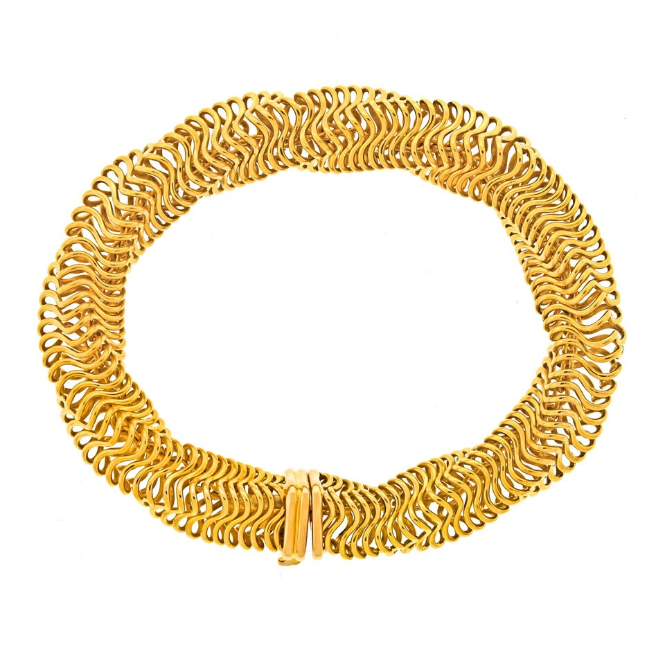 Boucheron Modernist Gold Bracelet In Excellent Condition For Sale In Litchfield, CT