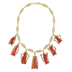 Antique Gold Necklace with Fifties Coral Wise Men