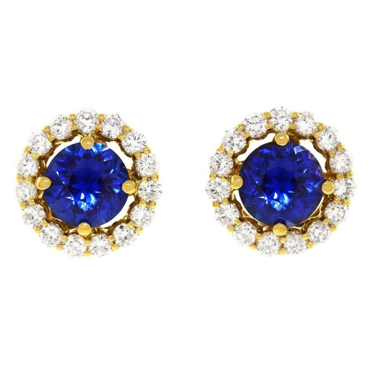 Cornflower Blue Sapphire Diamond Gold Earrings In Excellent Condition For Sale In Litchfield, CT