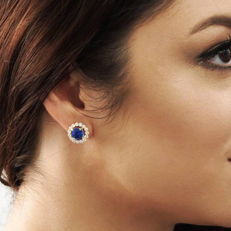 Women's Cornflower Blue Sapphire Diamond Gold Earrings For Sale