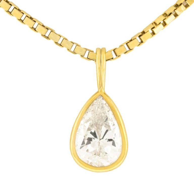 2.45 Carat Pear-Shaped Diamond Pendant For Sale 1